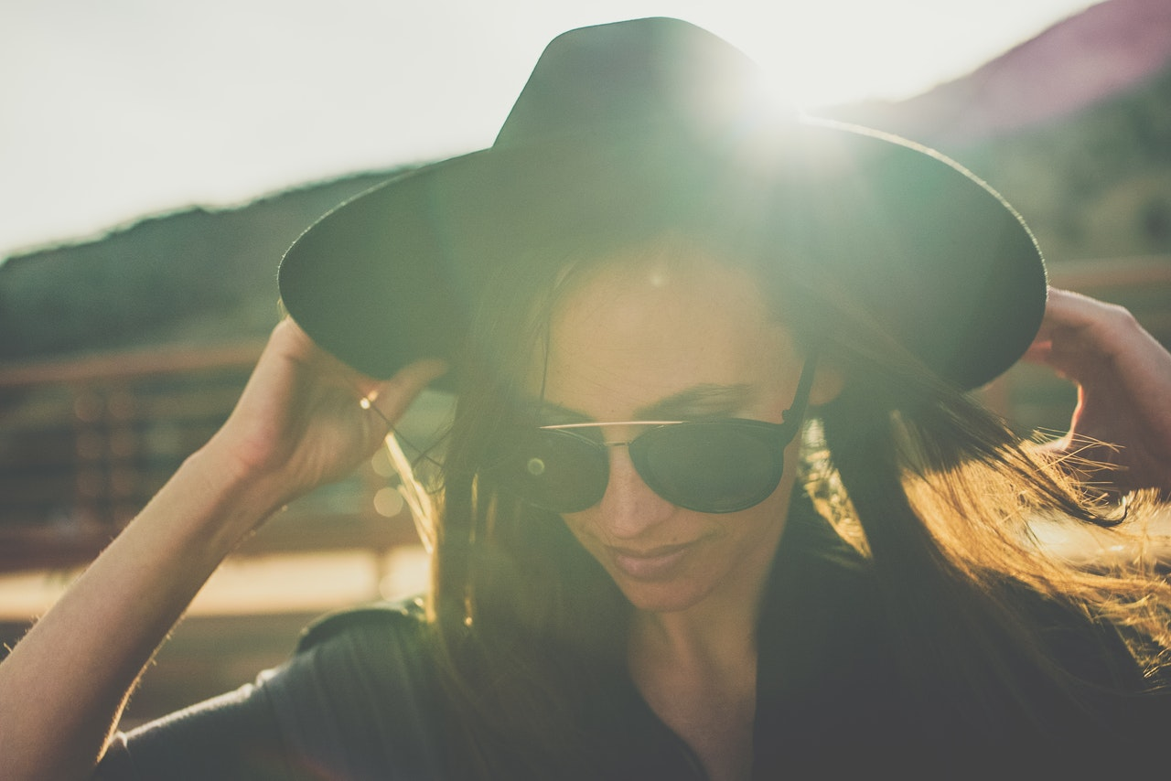 sunglasses and hat