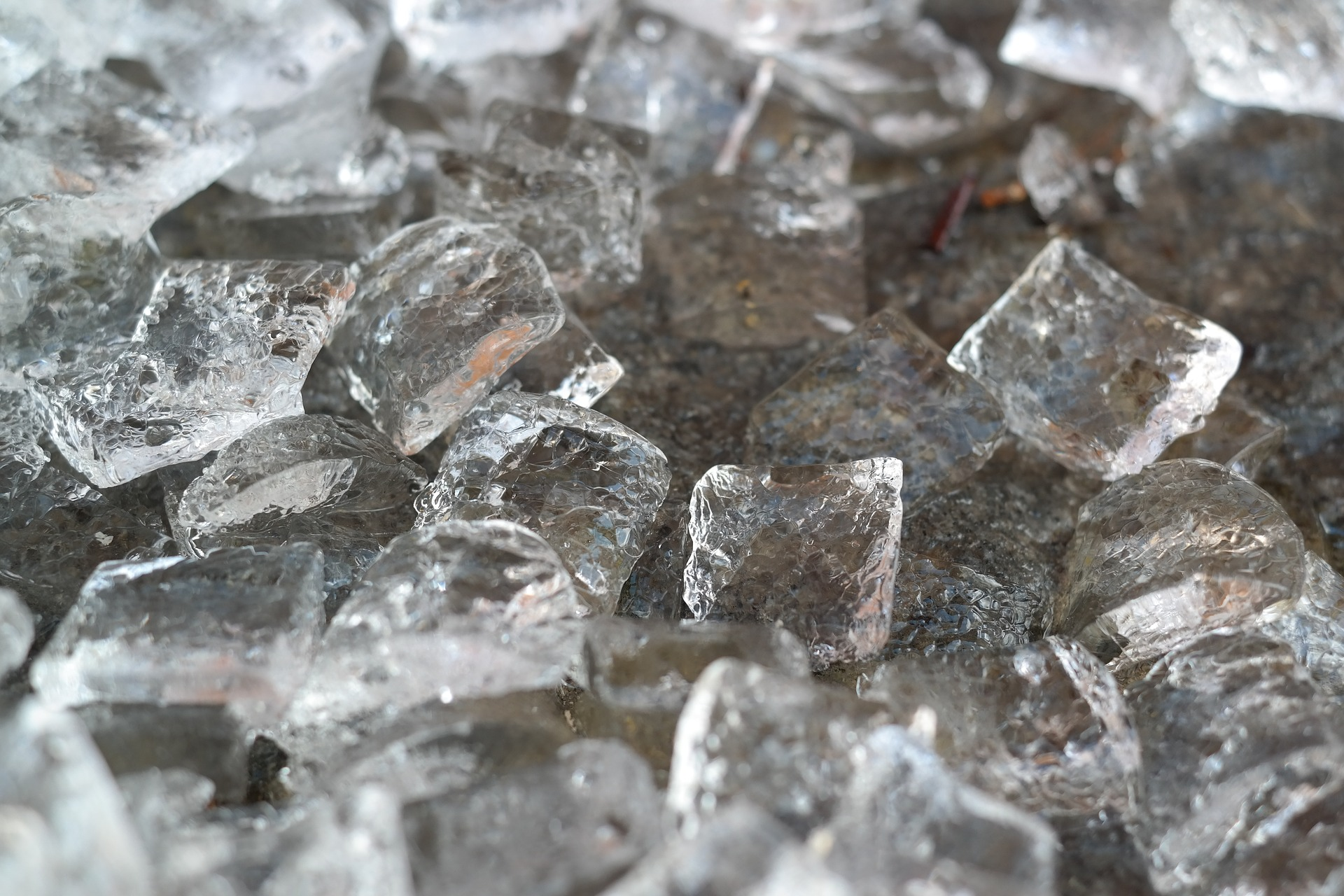 Weirdest pregnancy cravings - ice cubes!
