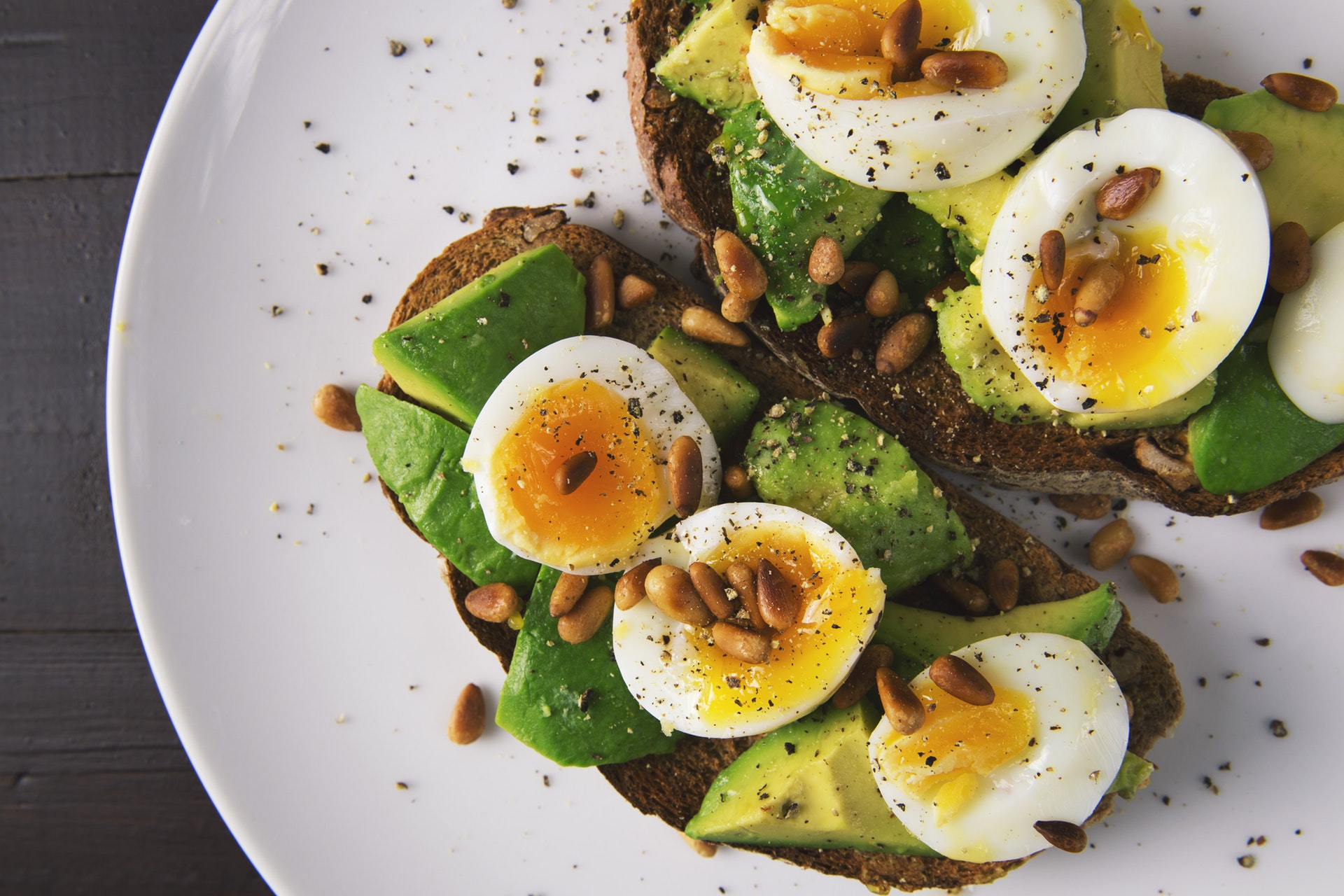 heart healthy avocado on toast